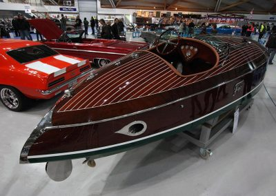 woodbacker_flyer_classic_boat_wooden_vehicle_show_mahogany–ouluhalli